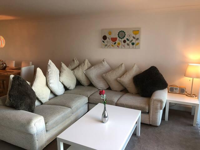 Spacious Luxury Birmingham City Centre Apartment