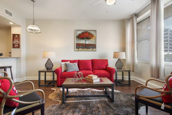 ★ Classic Condo close to French Quarters ★