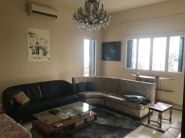 Private bedroom/bathroom in Hamra