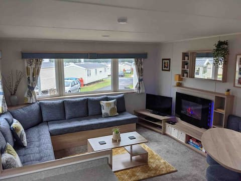 Spacious 3 Bed Caravan at Seton Sands