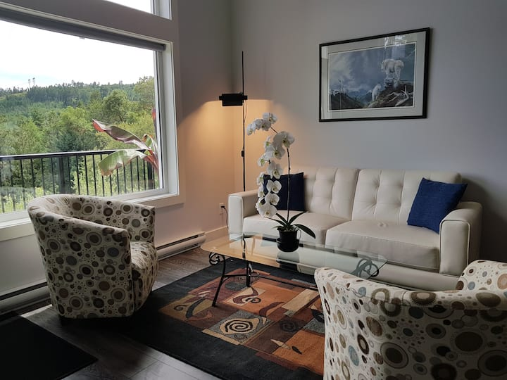 View Suite on Great Trail - Dog Friendly!