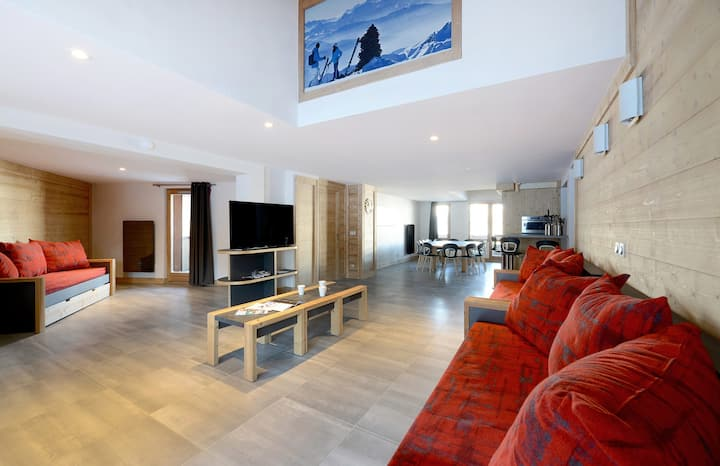 Apartment in a family resort on the slopes