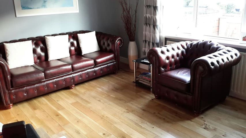 Charming room in Timperley Altrincham room 2