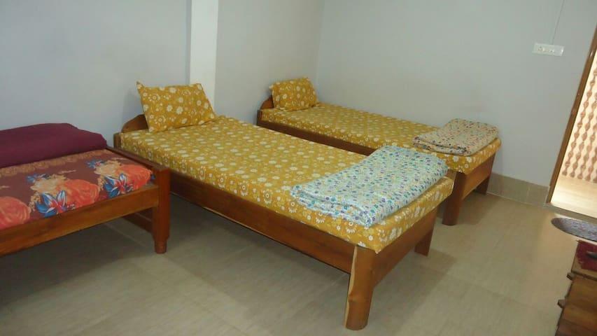 Cherrapunjee Kor Shongthait Guest House