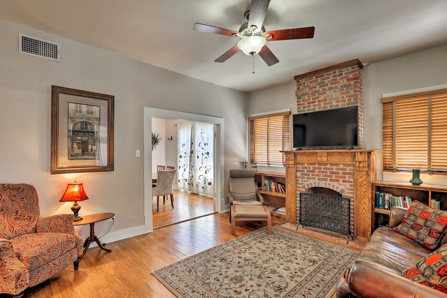 Make yourself at home in this charming Fort Worth vacation rental!