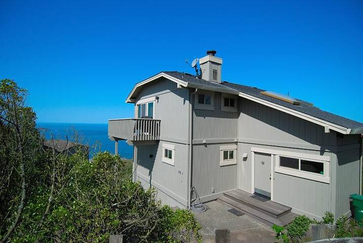Above and Beyond- Dillon Beach home w/ great views