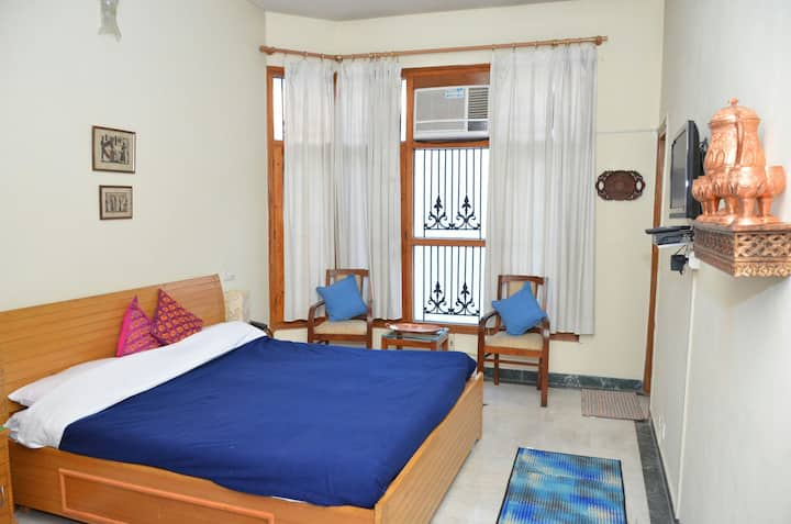 Sandy's homestay bed and breakfast room 3