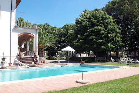 Villa Domenica, in the heart of tuscany - CRESPINA - Casa