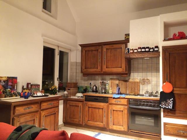 Joli appartement mansardé - Delémont - Apartment