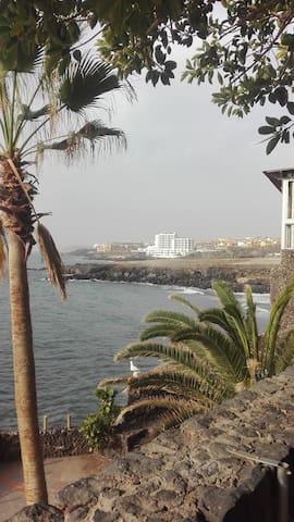 Apartment in front of the sea - Los Abrigos - Condominio
