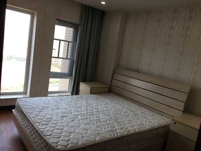 武汉市东西湖区姑李路温馨小公寓