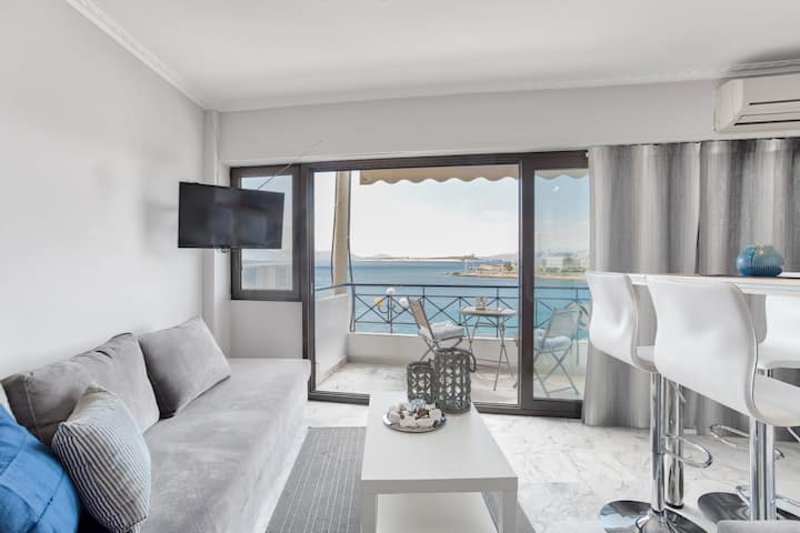 Chic, Modern Seaside Oasis in Pireaus, Seaview!