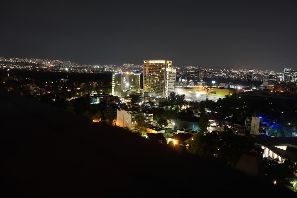 Vista panorámica en lo alto del edificio