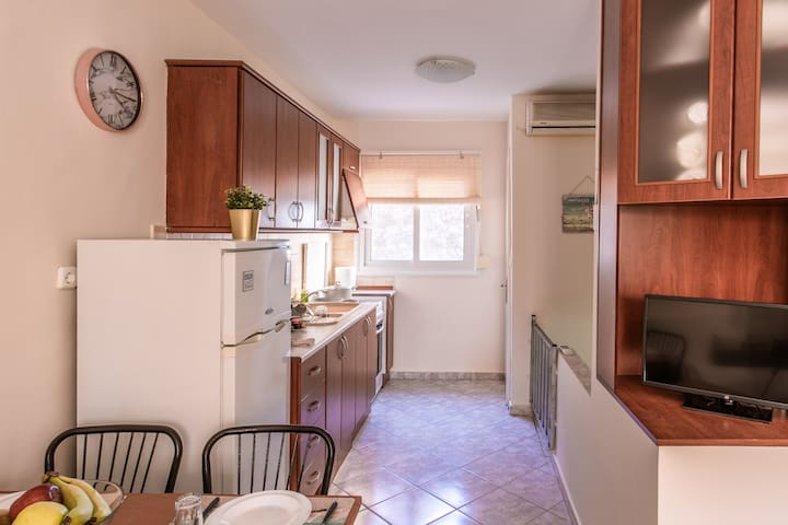 Cozy Sumner house 50m from beach +WIFI+BBQ+PARKING