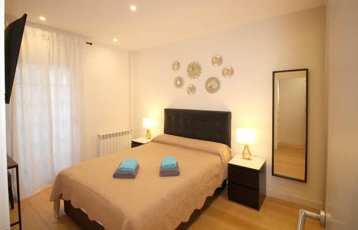 Amplia y cómoda habitación, totalmente exterior