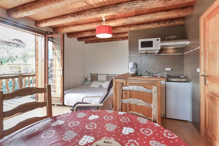 studio facing Mont Blanc - Domancy - Apartamento