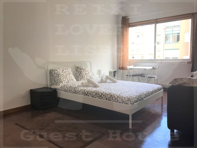 Reiki Lovers Lisbon Double Room number 7