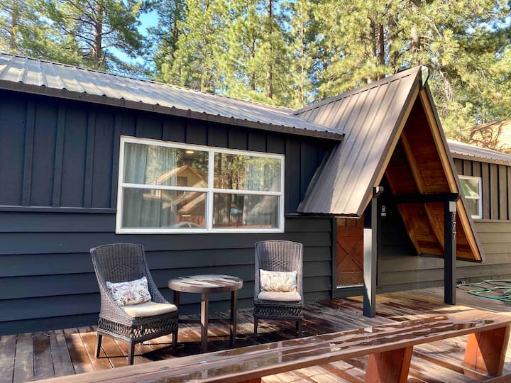 Cozy Chalet - 3 miles to Heavenly Mtn + Stateline