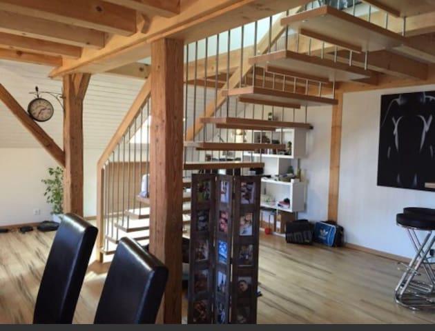 Loft de 100 m2 en duplex - Vuissens - Flat