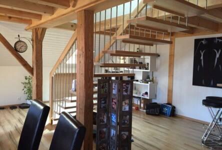 Loft de 100 m2 en duplex - Vuissens