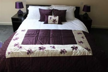 We Three Loggerheads 300 year old coaching inn - Flintshire - Bed & Breakfast