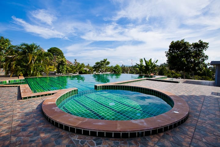 HIGH QUALITY ONE BEDROOM VILLA 4 WITH A LARGE POOL