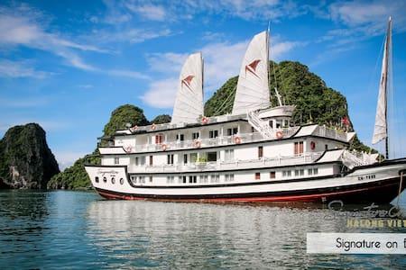 2 Days/1 Night Signature Cruise 5* - Thành phố Hạ Long