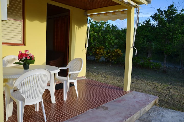 House with 2 bedrooms in Sainte-Anne, with enclosed garden and WiFi - 8 km from the beach