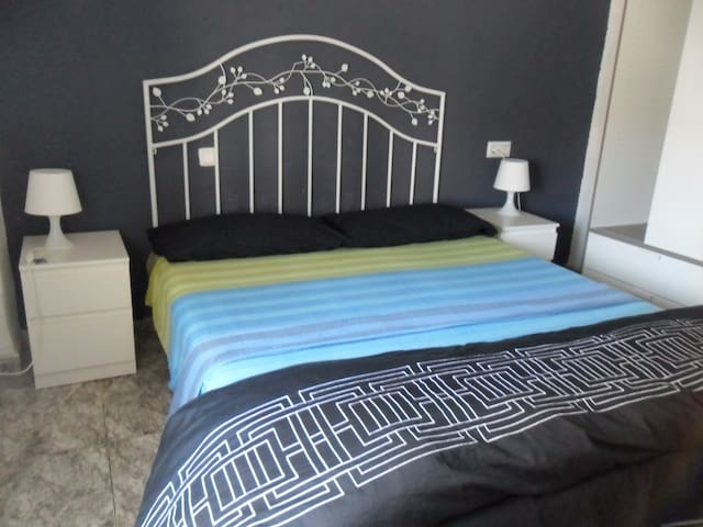 Double private room near old city center