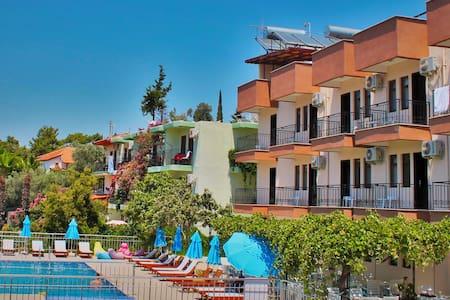 Butik Otel Patara Sun Club - Gelemiş Köyü - Bed & Breakfast