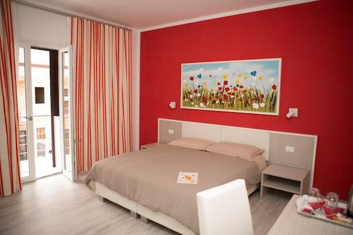 Nidi di Feo - Luxury B&B - RED ROOM - Lecce - Bed & Breakfast