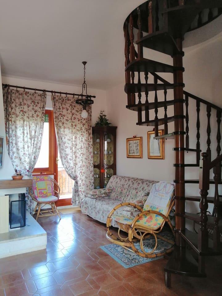 Casa Appartamento con Attico-Zona centro Sarnano