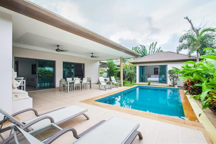 Next to Blue Aqua Park, a lovely 3-BR Pool Villa