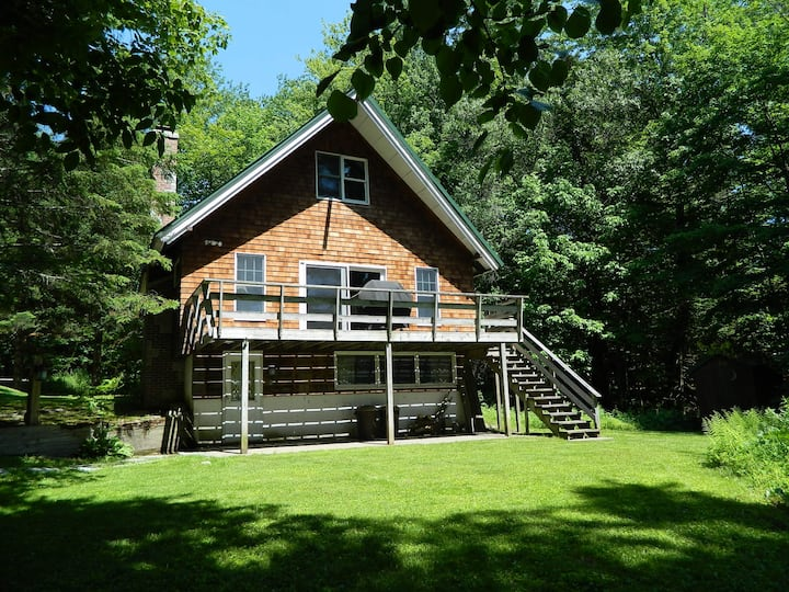 Sanborn Lodge ~  Rustic Chalet in Stowe