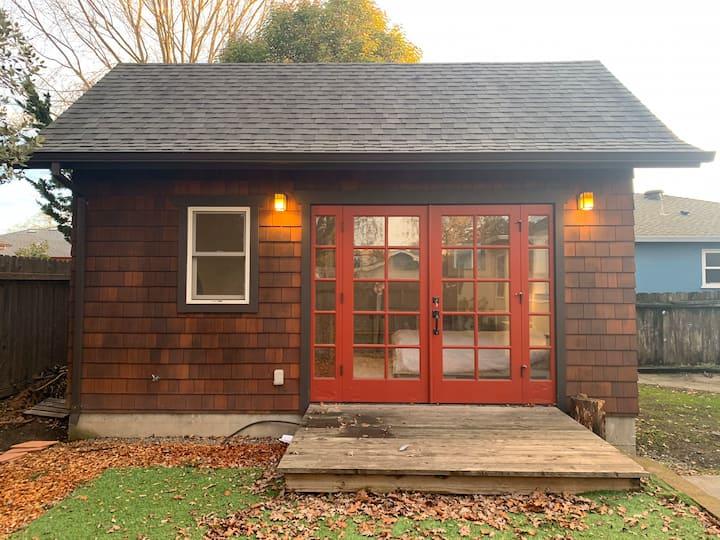 RelaStay, Cozy Cabin