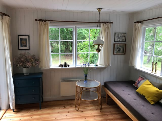 Charming cottage in the forrest, close to beach