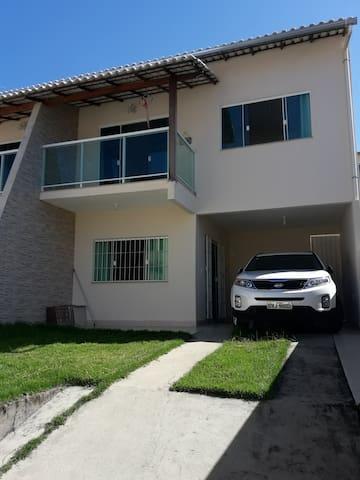 Casa Duplex em Iriri - Anchieta para temporada.