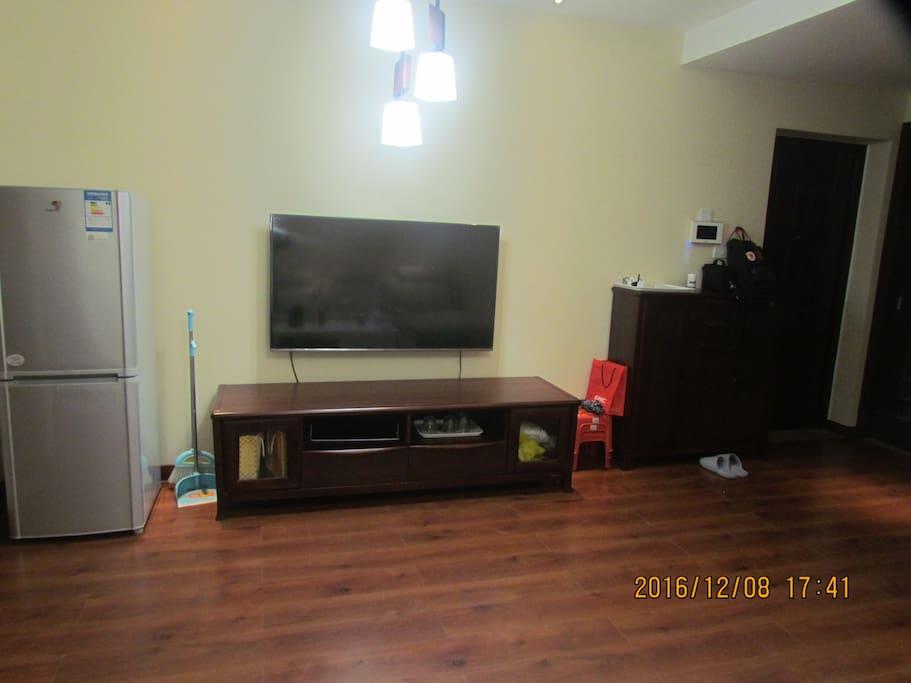 The living room 客厅
