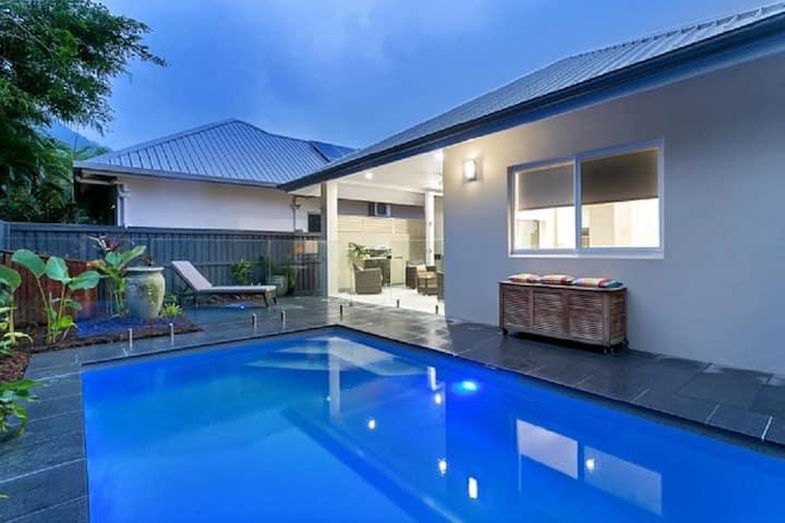 Azure Beach House Palm Cove