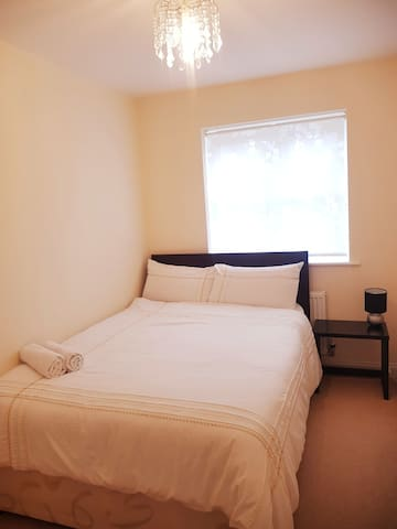 Cosy Double Room in a Friendly Family Home