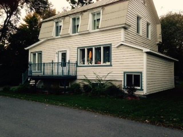 Maison ancestrale entre Montréal et Trois-Rivière - Lanoraie - 단독주택