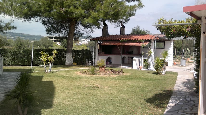 A Pleasant family - friendly flat - Pirgos - Apartamento