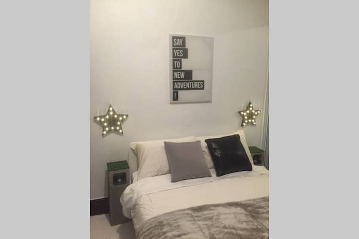 Central Location – Cosy Room - Darlinghurst - House