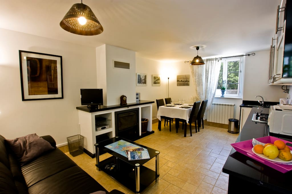 Stylish, open plan lounge/kitchen/dining.