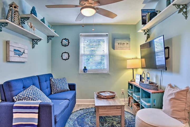 NEW! Dog-Friendly Jacksonville Beach Apt w/ Yard!