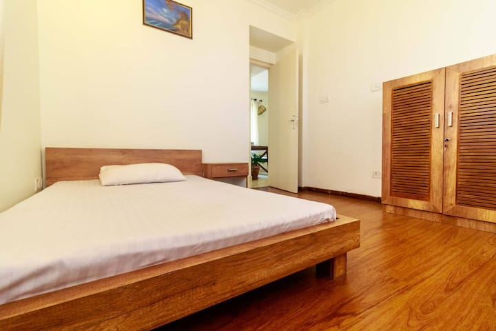 ★ Picturesque View of Himalayas★ Modern 2BD | Gym