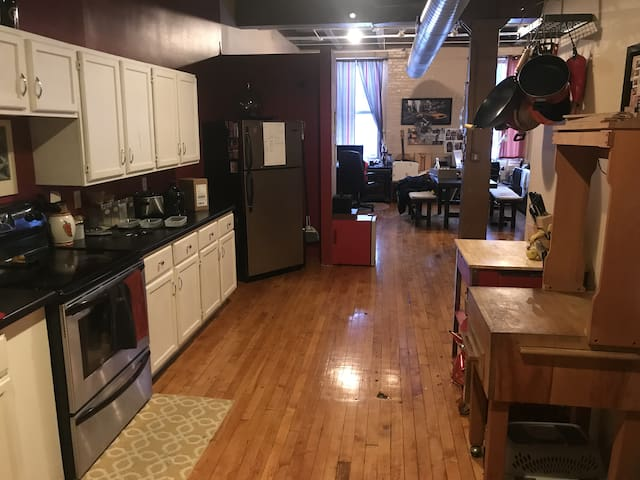 BLOCKS from SUPER BOWL -Downtown Minneapolis Loft