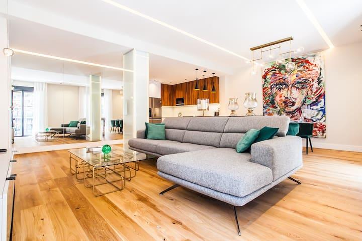 VIP Best Airbnb Apartment Madrid 6 Bd 4Bth 10pax