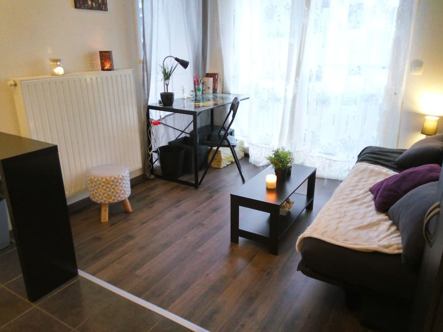 studio place de parking dans r sidence s curis e appartements en r sidence louer caen. Black Bedroom Furniture Sets. Home Design Ideas