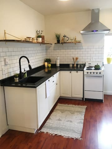 Bay-View Studio: Walking Distance to Downtown! - Bellingham - Appartement